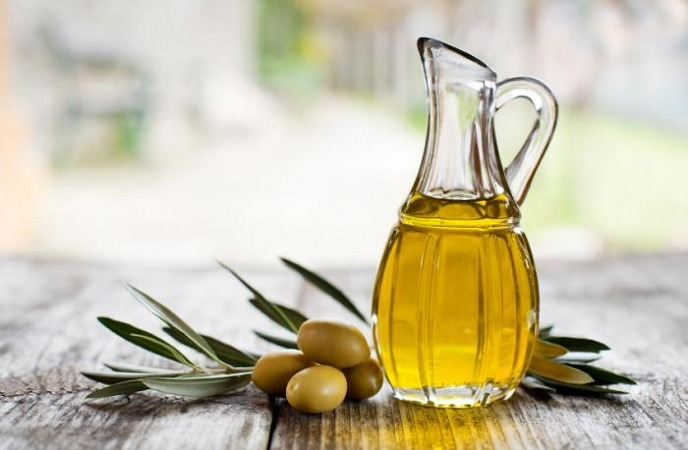 how-to-get-thicker-hair-olive-oil