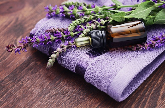 how-to-treat-burns-on-hand-lavender-oil