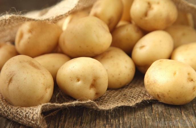 how-to-treat-burns-on-hand-raw-potato